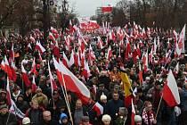 Tisíce stoupenců polské konzervativní pravice se dnes sešly v centru Varšavy na protestní akci proti výsledkům nedávných místních voleb, které byly podle nich zfalšovány, ale i proti současné vládě pravého středu.
