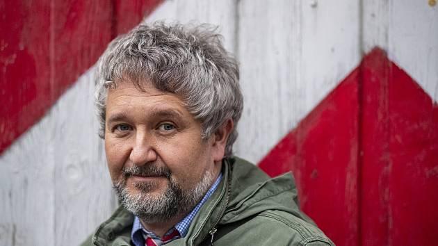 Hlavní epidemiolog IKEM a člen Rady vlády pro zdravotní rizika Petr Smejkal
