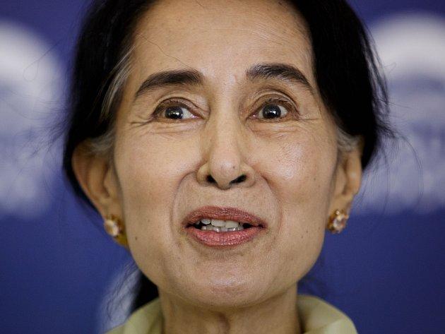 Nositelka Nobelovy ceny za mír Su Ťij na tiskové konferenci v Praze.