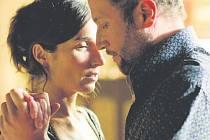 TANGO LIBRE. Tanec jako výraz emocí a svobodné touhy i jako impuls ke změně v podání Françoise Damiena a Anne Paulicevichové.