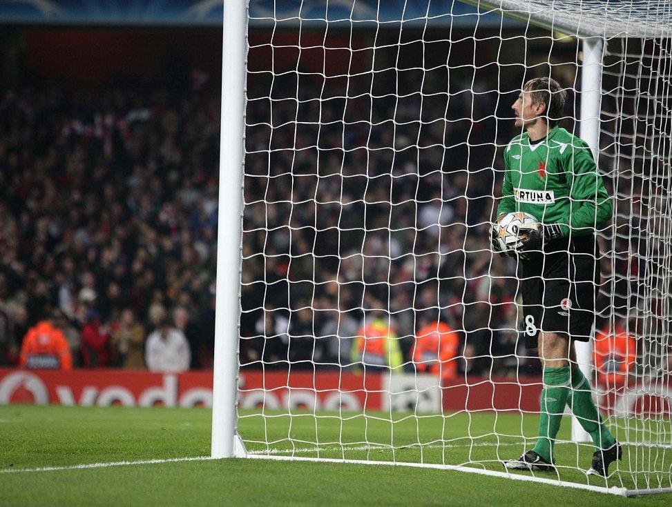 Liga mistrů: Arsenal versus Slavia (na snímku Martin Vaniak po obdržené brance)