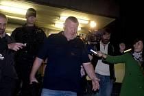 Lobbista Ivo Rittig (na snímku) obviněný v kauze tunelování firmy Oleo Chemical byl propuštěn 27. září na svobodu. Celkem má být propuštěno pět z deseti obviněných, ale u jednoho z nich žádá státní zástupce odebrání pasu.