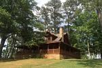 IronManův malebný srub na samotě u lesa