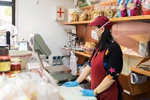 Tvrdá opatření v Itálii. Kdo nemá vakcínu nebo test, nesmí do práce a nedostane ani výplatu.