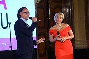 Na galavečeru vystoupila operní a muzikálová zpěvačka Tereza Mátlová s Mariánem Vojtkem