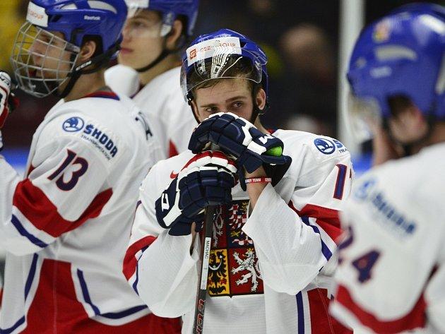 Zklamání českých hokejistů po porážce