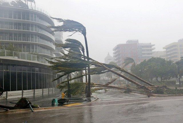 Hurikán Irma bičuje Floridu.