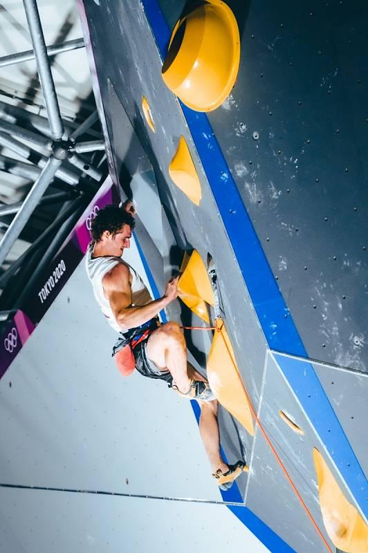 Adam Ondra na olympiádě v Tokiu.