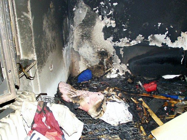 POŽÁR. Takový pohled se naskytl hasičům, kteří tento týden likvidovali požár v bytě na ulici Slovanské v Havířově, ve kterém se jen několik hodin předtím oběsil zoufalý osmačtyřicetiletý muž.