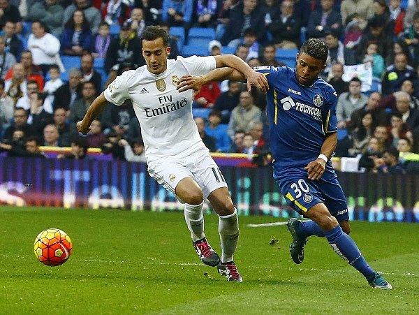 Real Madrid - Getafe: Lucas Vazquez (vlevo) proti Wandersonovi