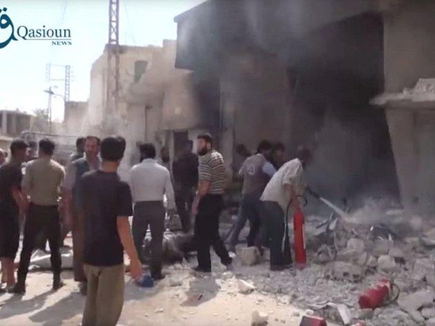 Ruské vojenské letectvo v Sýrii za posledních 24 hodin podniklo dvacítku náletů, při kterých zasáhlo devět objektů radikálního hnutí Islámský stát (IS).