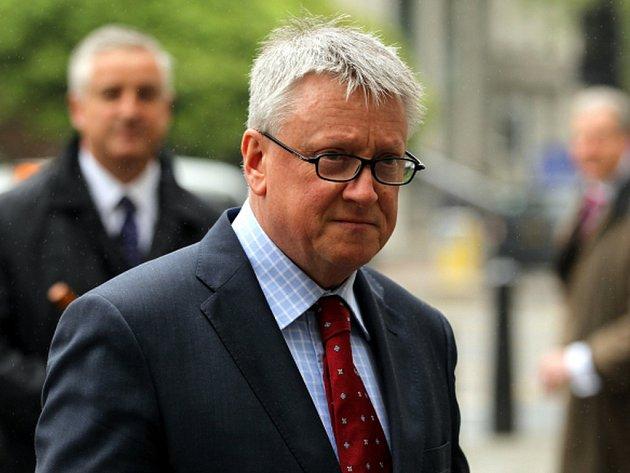 Před soudem stanuli také bývalí editoři bulvárního listu Fergus Shanahan (na snímku) a Geoff Webster.