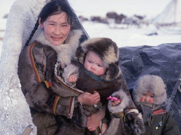 Sibiřští nomádi kdysi přešli suchou nohou přes Beringovu úžinu do Ameriky.