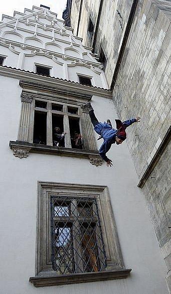 Rekonstrukce První pražské defenestrace z roku 1419