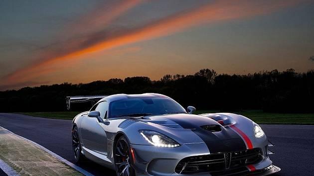 Dodge Viper ACR.
