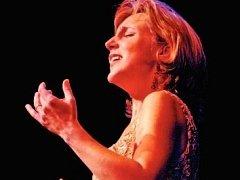 SOPRANISTKA DAWN UPSHAW je držitelkou pěti cen Grammy. Příští sobotu (21. června) zazpívá v Rudolfinu.