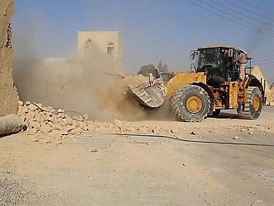 Radikálové z Islámského státu (IS) zničili za pomocí buldozerů křesťanský klášter Mar Elian