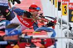 Michal Šlesingr se chystá na střelbu.