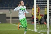 André Schürrle z Wolfsburgu sestřelil hattrickem Hannover.