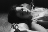 Originální způsob vyprávění a obnažené scény herečky Hedy Kiesler. Především tím na sebe poutal pozornost snímek Extase.