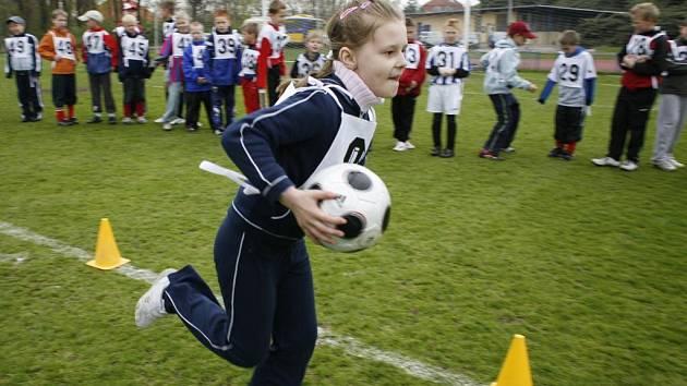 """Děti během """"Dne plného fotbalu"""" absolvovaly testy fotbalových dovedností"""