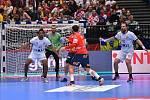 Mistrovství Evropy házenkářů ve Vídni, čtvrtfinálová skupina, utkání Španělsko - ČR (Pavel Horák na snímku vpravo)