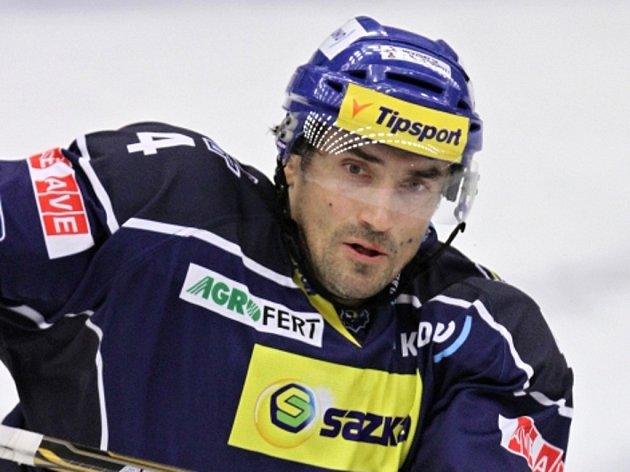Hokejista Marek Černošek v dresu kladenských Rytířů.