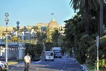 V ulicích Nice hlídkuje 500 policistů, uzavřena je část promenády
