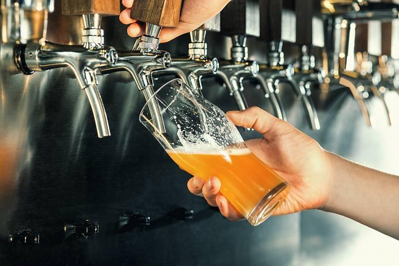 Český pivní svět se však mění a i velcí hráči na trhu přicházejí čím dál častěji s netradičními chutěmi. K tomu se navíc už nebojí ani jiného vaření piva. Důkazem toho jsou i výsledky posledního ročníku soutěže Cerevisia Specialis.