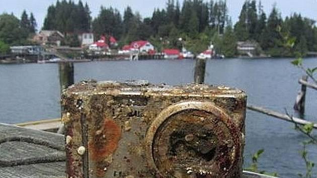 Potápěči našli ztracený fotoaparát.