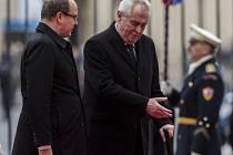 Prezident Miloš Zeman přivítal 9. dubna na Pražském hradě monackého knížete Alberta II.