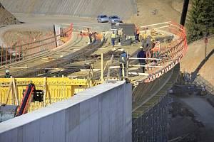 U Velkého Beranova na Jihlavsku pokračuje stavba obchvatu za 800 milionů korun.