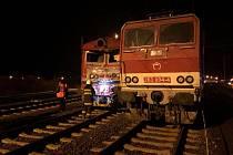 Osobní vlak se na Slovensku srazil s lokomotivou