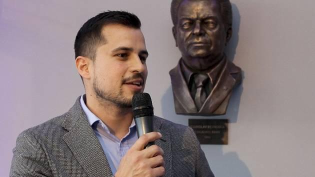 V prostorách společnosti BEZNOSKA s.r.o. se uskutečnilo Slavnostní odhalení busty pana Stanislava Beznosky.