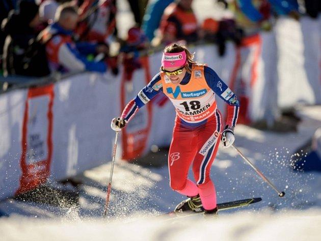 Maiken Caspersen Fallaová ve sprintu SP.