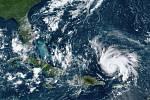 Satelitní snímek hurikánu Dorian nad Atlantickým oceánem (29. srpna 2019)
