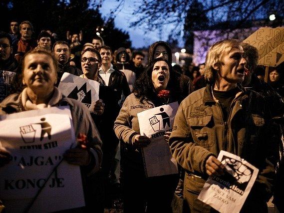 Tisíce Slovinců protestovaly proti úsporným opatřením vlády