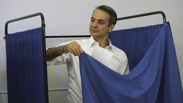 Člen známé řecké politické dynastie Kyriakos Mitsotakis z opoziční strany Nová demokracie u voleb
