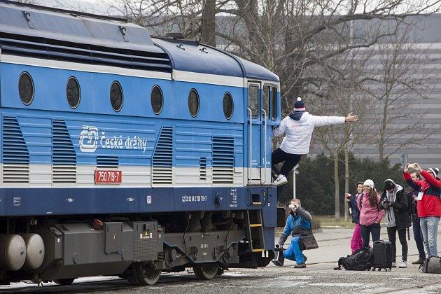 Raška expres vyrazil zPrahy do Brna.