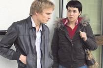 Mlčení Lorny. Mezi festivalovými novinkami bude i film oceněný letos v Cannes za scénář (na snímku hlavní představitelka Arta Dobroshi s Jérémierem Renierem).