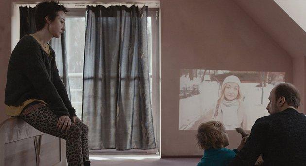 Na filmu Fuga se podílela česká produkce Karly Stojákové.