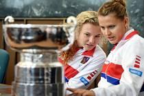 Kateřina Siniaková (vlevo) a Lucie Šafářová.