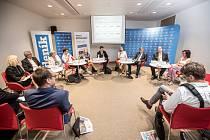 První z debat Hospodářské komory kandidátů v nadcházejících volbách proběhla 6. září v Praze. Na snímku