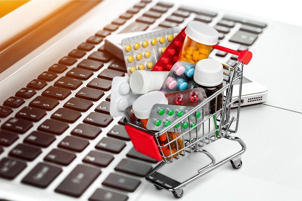 Lékárna, e-shop, léky. Ilustrační foto