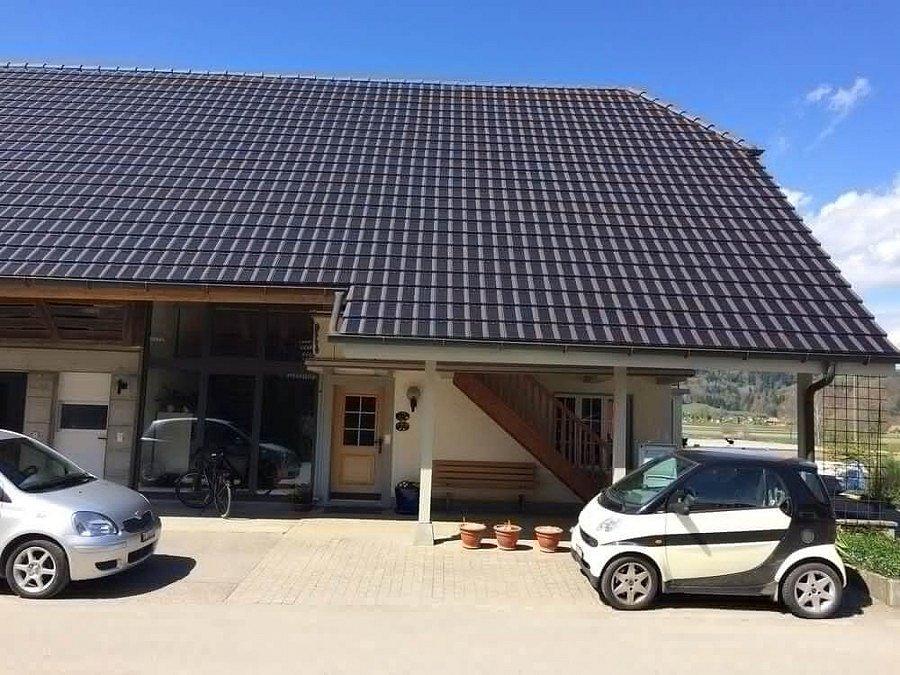 Projekt solární střechy ve Švýcarsku