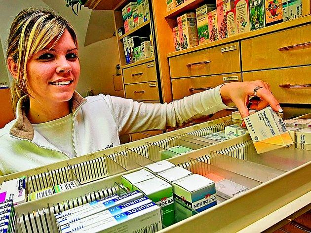 Snaha omezit prodej léků zneužívaných k výrobě pervitinu naráží na jednu překážku za druhou. Léky zneužívané k výrobě pervitinu jsou stále k dostání bez receptu.