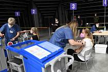 Národní očkovací centrum v pražské hale O2 Universum se uzavřelo 10. září 2021. Poslední očkovaní ho opustili krátce po 17:00