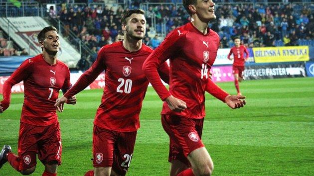 Jednadvacítku opět čeká v kvalifikaci o Euro Chorvatsko a Řecko Čeští  fotbalisté do 21 let se v kvalifikaci o postup na mistrovství Evropy v roce  2021 ... 0dac177523
