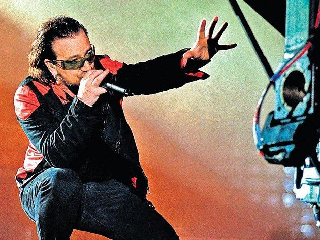 Frontman. Charismatický Bono už dávno není jen hudební autoritou.