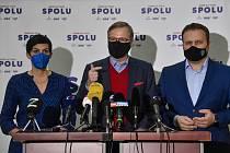 Zleva předsedkyně TOP 09 Markéta Pekarová Adamová, šéf ODS Petr Fiala a předseda KDU-ČSL Marian Jurečka